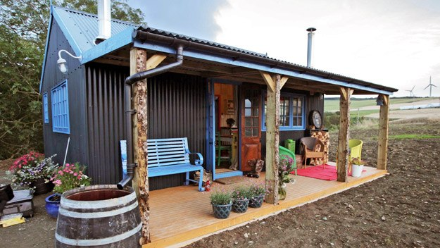 Incredible Tiny House Office